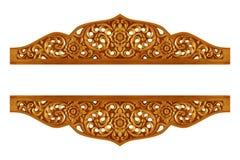 O teste padrão da flor cinzelou na madeira para a decoração fotografia de stock royalty free