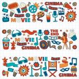 O teste padrão do vetor com ícones tirados mão do cinema rabisca o estilo Fotografia de Stock
