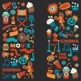 O teste padrão do vetor com ícones tirados mão do cinema rabisca o estilo Imagens de Stock Royalty Free