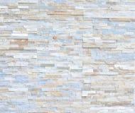 O teste padrão da parede de tijolo de pedra moderna branca surgiu Imagens de Stock Royalty Free
