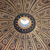 O teto bonito da basílica do ` s de St Peter, Cidade Estado do Vaticano, RomeT Imagem de Stock