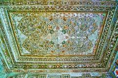 O teto do espelho Salão da mansão persa, Shiraz, Irã Imagem de Stock