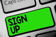 O texto da escrita assina acima Uso do significado do conceito sua informação registrar-se na chave Inte do verde do teclado da f foto de stock