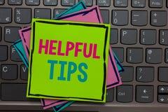 O texto da escrita que escreve a ponta útil s é O significado do conceito pede as soluções peritas as sugestões que consultam key foto de stock royalty free