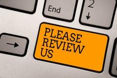 O texto da escrita que escreve por favor revê-nos O significado do conceito dá a comentários de uma opinião do feedback a qualida fotos de stock