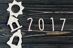 o texto de 2017 sinais no eco simples do Natal brinca no preto à moda wo Fotos de Stock Royalty Free