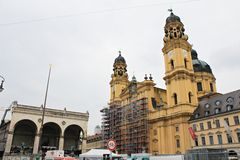 O Theatinerkirche em Munich - Odeonsplatz Foto de Stock Royalty Free