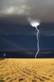 O thunder-storm começa foto de stock