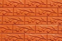 O tijolo com marrom listra o fundo Imagens de Stock