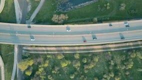 O tiro aéreo de uma estrada no por do sol, parte superior vê para baixo Fotos de Stock
