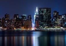 42.o tiro de la noche de la calle, New York City Imágenes de archivo libres de regalías