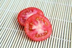 O tomate foi cortado Fotos de Stock