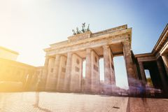 O Tor de Brandenburger, porta de Brandenburger em Berlim, Alemanha Atra??o tur?stica imagens de stock