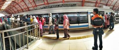 O trânsito claro do trilho é um marco Palembang fotografia de stock royalty free