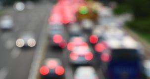 o trânsito intenso ocupado da cidade urbana de 4k Fuzzy Modern bloqueia, carros do lote na rua da estrada vídeos de arquivo