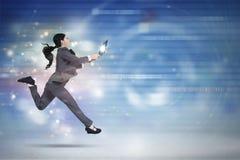 O trabalhador fêmea trabalha com o portátil no Cyberspace imagens de stock royalty free