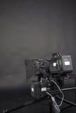 O trabalho de uma câmara de vídeo no estúdio Fotos de Stock Royalty Free
