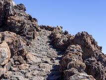 O trajeto nas montanhas fotografia de stock royalty free