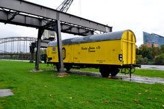 O transporte do amarelo do olld Fotografia de Stock