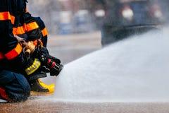 O treinamento do sapador-bombeiro fotografia de stock royalty free