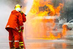 O treinamento do sapador-bombeiro fireman Foto de Stock