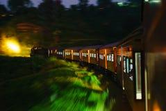 O trem de Sri Lanka que nivela a composição viaja Ásia imagem de stock royalty free
