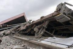 O trem descarrilhado treina no local de um acidente de trem no Ge imagem de stock royalty free
