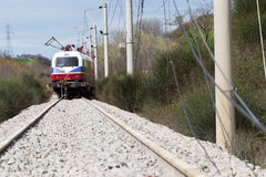 O trem descarrilhado treina no local de um acidente de trem no Ge fotos de stock