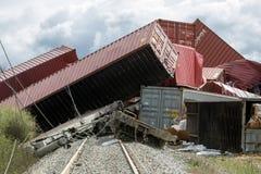 O trem descarrilhado treina no local de um acidente de trem no Ge fotografia de stock royalty free
