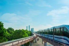 O trem do monotrilho de Moscou imagens de stock