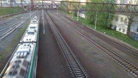O trem est? vindo vídeos de arquivo