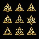 O triângulo celta ata um preto dourado de nove símbolos ilustração do vetor