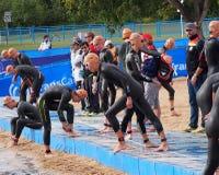O Triathlon aquece-se Imagens de Stock