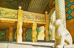 O trono de mármore pequeno no palácio de Golestan, Tehran Foto de Stock