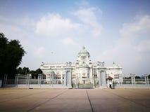 O trono Salão de Ananda Samakhom em Banguecoque Foto de Stock Royalty Free