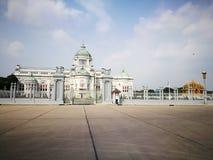 O trono Salão de Ananda Samakhom em Banguecoque Fotos de Stock