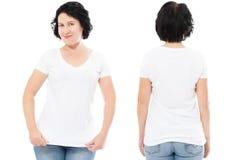 O tshirt branco ajustou-se, mulher no t-shirt do estilo isolado no fundo branco, zombaria do tshirt acima, camisa vazia imagem de stock