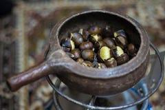 O turco roasted castanhas - ascendente próximo Imagem de Stock