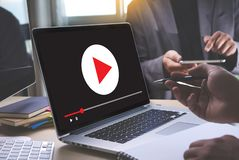 O vídeo audio do MERCADO VIDEO, introduz no mercado os canais interativos, Bu imagens de stock royalty free