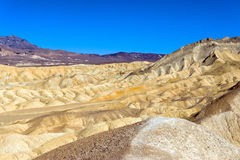 O Vale da Morte e céu azul Fotografia de Stock Royalty Free