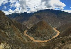 O vale do córrego gosta de Omega, rio de Jinsha jiang Foto de Stock Royalty Free