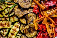 O verão grelhado coloriu a mistura dos vegetais Fotos de Stock