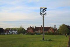 O verde de vila em Hawkhurst Kent imagens de stock royalty free