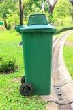 O verde do lixo Fotos de Stock Royalty Free