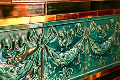 O verde Textured o fim do detalhe da telha acima fotos de stock royalty free