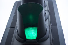 O verde vai luz de tráfego rodoviário foto de stock