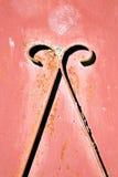 o vermelho articula Marrocos oxidado em África o faca de madeira velho Imagens de Stock Royalty Free