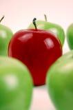 O vermelho é grande! - Vertical Fotografia de Stock Royalty Free