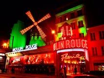 O vermelho Paris de Moulin fotos de stock royalty free
