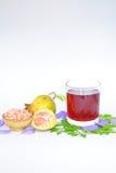 O vertical delicioso do suco da romã Imagem de Stock Royalty Free